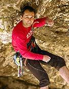 Chiro Sánchez, escalando en Rodellar (Huesca). <br>Desnivelpress.com