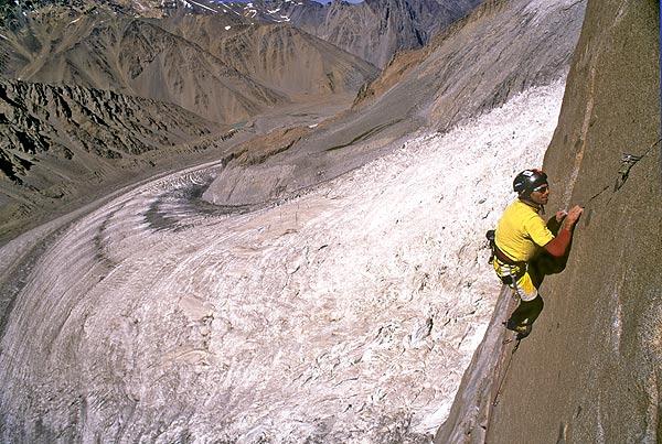 Escalada en las Torres del Brujo. <br>Fotos: Bernardo Giménez