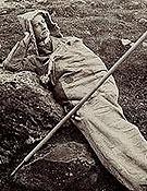 Henrry Rusell en su saco de dormir.Foto: Maurice Meys. (1.900)