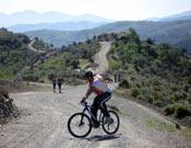 Prueba de bicicleta de montaña, disputada durante la primera prueba del Orientaventura 2007.- Foto: orientaventura.com