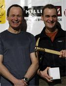 Marko Prezelj y Boris Lorencic recogiendo el premio a su Pilar noroeste del Chomolhari.- Foto: Giulio Malfer