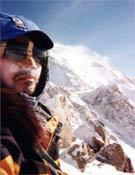 Masatoshi Kuriaki en la Sureste del Mount Foraker, donde se adivina algo de ventisca local en la cima.- Foto: Col. Masathosi Kuriaki