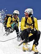 Descenso encordado en la edición del 2006.Foto: www.trofeomezzalama.org