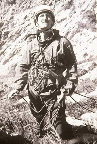 Pedro Udaondo escalando en Atxarte.- Foto: Desnivelpress