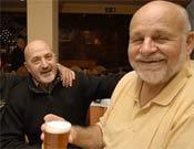 Diemberger disfrutando de los bares de Madrid.- Foto: Desnivelpress