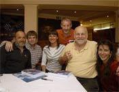 Juanito, Darío Rodríguez, Toñin, Miriam Marco, Kurt y Cecilia. La foto es tomada por Sebastián Álvaro.- Foto: Desnivelpress