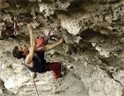 Patxi Usobiaga en Pamintza (8b/8b+, en la cueva de Baltzola.- Foto: desnivelpress.com