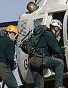 El mítico Bolkov de la Guardia Civil en ejercicios de rescate.Foto: Darío Rodíguez/Desnivelpress.