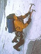 Ramsden durante la apertura en el Siguniang, que les supuso el Piolet d´Or de 2002.- Foto: Col. Paul Ramsden