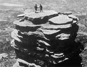 Rabadá y Navarro en la cima del Tornillito mostrando su camaradería.Foto histórica
