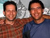 Emilio Valdés (derecha) y Roberto de Paz en la Librería este miércoles 23 de mayo.- Foto: Jorge Jiménez