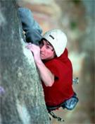 Dave Graham blocando y sufriendo sobre roca natural.- Foto: Col. Dave Graham