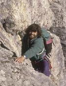 Reinhold Messner escalando en las Dolomitas.- Foto: desnivelpress.com