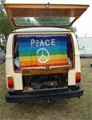 Algunos mensajes son perennes en este tipo de vehículos. ¡Paz amigos!- Foto: Col. Volkswagen