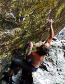 Daniel Woods trata de resolver Jade (8c) en el Parque Nacional de las Montañas Rocosas.- Foto: Col. Daniel Woods