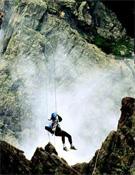 Gargantas tan hermosas como siniestras se convierten en duros obstáculos para los competidores.- Foto: corsicaraid.com