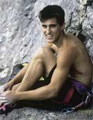 Saltar desde el Naranajo, otro sueño cumplido que Carlos apunta en su libreta.- Foto: desnivelpress.com