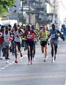 Más de mil corredores tomaron la salida de esta célebre carrera.- Foto: Org. Sierre Zinal