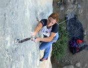 Andrea resolviendo Petit Tom (8a), en Ceüse.- Foto: Col. Andrea Cartas