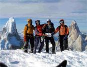 Álvaro Novellón, Óscar Pérez, Dani Ascaso y Santi Padrós en la cumbre principal del Cerro Adela.- Foto: p-guara.com