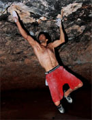 Dani Andrada en Ali-Hulk (9a+) en la Cueva.<br>Foto: Pete O´Donovan