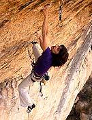 Eva López en Nikita, 8b del sector Sombretivo de Cuenca.- Foto: José Yáñez