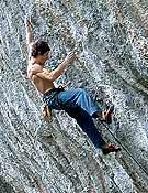 Patxi Usobiaga en Kinematix, 9a de las Gorges de Loup, Francia.- Foto: Col. P. Usobiaga