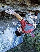 Fred Rouhling en L'autre Côté du Ciel, 9a de Eaux Claires.- Foto: T. Kemple/ climbing.com