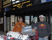Iker y Eneko a su llegada en Ushuaia.- Foto: Cortesía EITB