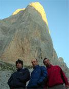 Los tres miembros del equipo que acudieron al Picu en junio de 2006. De izquierda a derecha: José Yañez, Marcos García de Paz y su hermano Iván.- Foto: Col. García de Paz