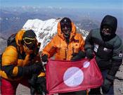 Miembros del equipo de Desafío Extremo en la cima del Aconcagua, este febrero, cuando coronaban la última de las 7 Cumbres.- Foto: Cortesía de Jesús Calleja