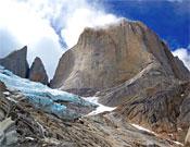 Vista de la cara Noroeste del Cerro Piergiorgio (2.719 metros).- Foto: Herve Barmasse