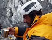 Carlos Pauner en el Campo Base del Broad Peak (8.047 m) tras su ascensión en 2007.Foto: carlospauner.com