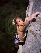 Natalja Gros escalando en Eslovenia.- Foto: desnivelpress.com