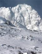"""""""Las montañas tienen hasta 700 metros de desnivel, de forma muy parecida  a picos que podemos encontrar en Patagonia"""".<br>Foto: Vicente Holgado"""