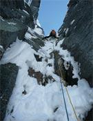 Ryan Jonhson liderando un sugerente largo en The great white conqueror.- Foto: Sam Magro / climbing.com