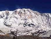 J.C. Lafaille, otro de los alpinistas que inspiraron la trayectoria de Iñaki, hacía esta foto a la cara sur del Annapurna.<br> Foto: Col. Lafaille
