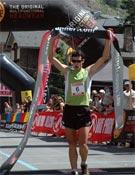 Kilian cruzando la línea de meta en la SkyRace de Andorra.- Foto: Ocisport