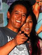Tashi Tenzing y esposa en la Librería Desnivel.- Foto: Jorge Jiménez / desnivelpress.com