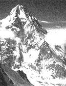 El K2, otra vez, se viste de negro.- Foto: Cortesía de Dennis Urubko