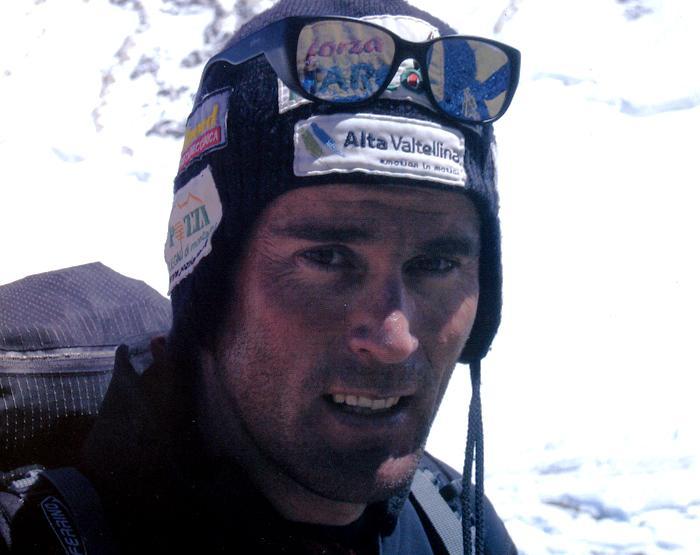El italiano Marco Confortola se encuentra a salvo en el CB del K2.- Foto: discoveryalps.it