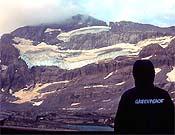 Vista de la misma cara que la foto anterior del glaciar Monte Perdido en el año 2004.- Foto: Greenpeace