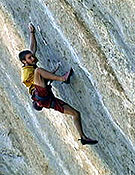 Chris Sharma en Realization (9a+) de Ceüse, Francia.- Foto: www.climbxmedia.com
