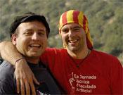 Pelut junto a Jaume Clotet Paca (izquierda), otro fanático del artifo.- Foto: desnivelpress.com
