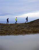 Descendiendo del pico.- Foto: Tomás Serra / Rafa Pobo