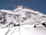Vista del Manaslu desde el Campo Base.- Foto: Exped. GMAM 2004