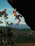 Sam Edwards sobre Forearm flameout, en Adamsfield (Tasmina).- Foto: Roger Parkyn