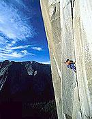 Alex Huber, en libre sobre El Niño, 950 m, 30 largos y 8a+ en el Capitán.- Foto: huberbuam.de