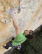 Gorka Karapeto escalando en Sadernes.- Foto: Joan Cabau