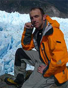 Alberto Ayora en la Laguna de San Rafael, en Chile.- Foto: Col. Alberto Ayora
